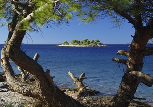 In the Croatian part of the Adriatic Sea, there are 718 islands, 389 islets and 78 reefs,...
